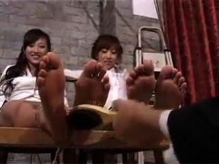 Chicas asiáticas cosquillas!