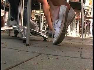 Sugerir como traducción de \|Adolescente|joven|inmersión|mandriles|tiradores inversos|barefeet|suelas arrugadas|dedos de los pies|zapatillas candentes|pies|suelas|talones|dedos de los pies|suelas sudorosas|pies malolientes|pies hediondos|Rrr|aficionados|adolescentes|pies|Rrr|