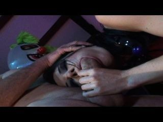 My mom the bondage slut escena 3