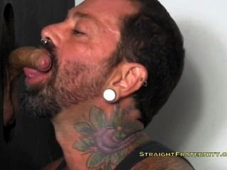 Chris r en el gloryhole