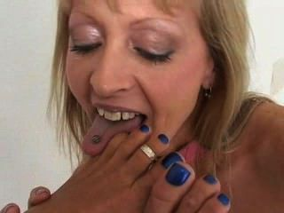 Lesbianas pies lamiendo y toe chupar