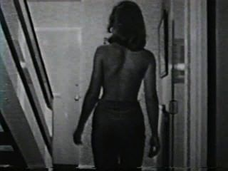 Softcore desnudos 582 50s and 60s escena 4