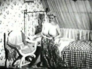 Softcore desnudos 567 50s and 60s escena 2