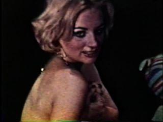 Softcore nudes 125 60s y 70s escena 4
