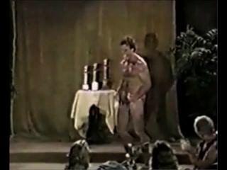 Hot bod desnudo padres en el escenario