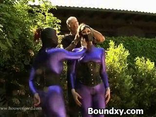Pervertida puta caned en sexo látex exótico
