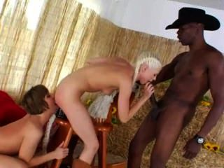 Brutal butthole trío con vaquero