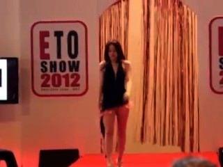 Eto desfile de moda sexy 2012 parte 2