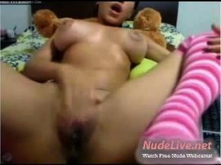 Super caliente y mojado coño se masturba en la webcam