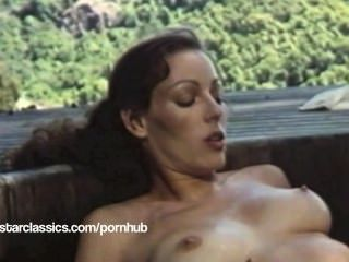 Lesbianas clásicas porn star annette haven super hot tub action