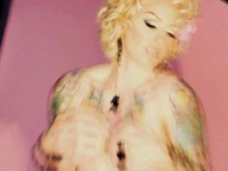 Chica caliente del tatuaje amy delacroux