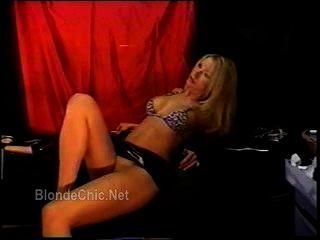 Sexy diosa rubia traviesa 3
