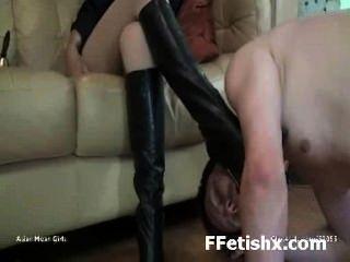 Sexo abusivo fetiche de pierna para chica