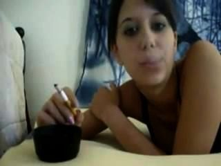 Niña de fumar