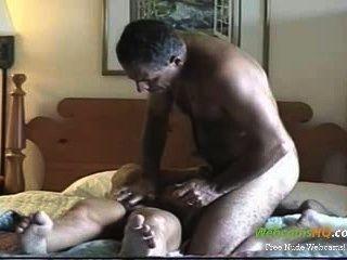 Cachonda amateur pareja madura follar y chupar en la webcam