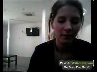 Hottest amatueur 19yo francés adolescente muestra sus tetas grandes en la webcam