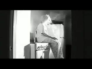 Fumar angel juno no desnudo