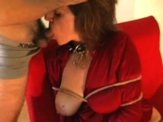 Caliente esposa roped y follada parte 1