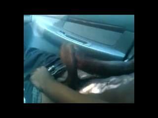 Tuerca en el estacionamiento