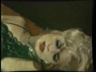 Lesbianas peepshow loops 536 70s y 80s escena 2
