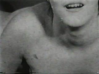 Softcore desnudos 503 50s y 60s escena 1
