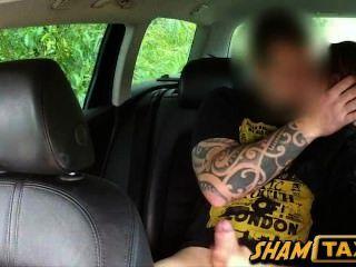 Caliente checo nena estafado y jodido duro por el conductor de taxi