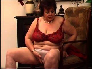 Secrets of horny mature 8 escena 4
