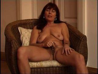 Secrets of horny mature 9 escena 4