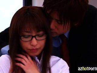Profesores japoneses después del secreto de la escuela