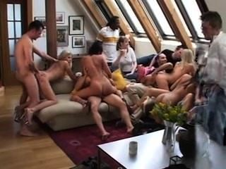 Orgía en la casa