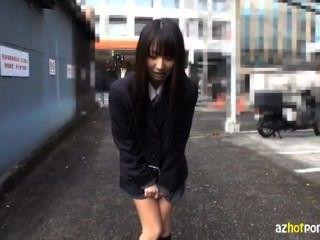 Ella es afeitada y expuesta en Tokio