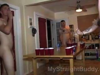 4 amigos desnudos 2