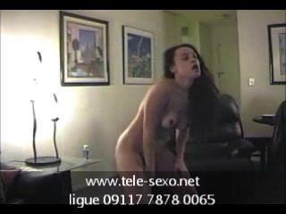Chica aficionada bailando desnuda www.tele sexo.net 09117 7878 0065