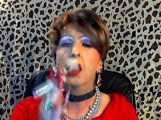 Sissy fagot fuma para su maestro
