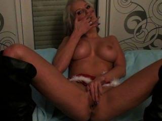 Chica rubia sexy webcam folla su coño bueno