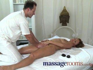 Salas de masaje milf leyenda silvia muestra masajista cómo conseguir realmente sucio
