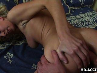 Sexy rubia adolescente beatris se anal
