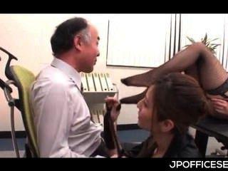 Practicantes sexy asian jugando amantes desagradables con su jefe