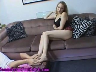 Piernas largas y pies perfectos