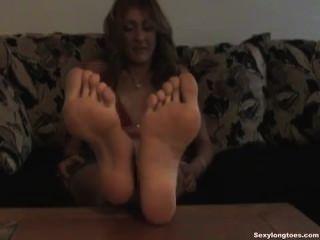 Pies grandes sexy footfetish