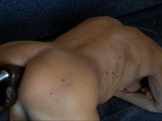 Mit meiner fickmaschine lasse ich meine anal möse so richtig durchrütteln,