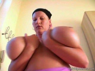 Laura orsolya boobs diversión