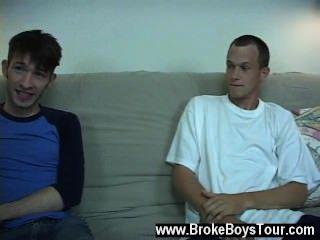 Gay xxx ambos tíos se quitaron sus camisetas y estaba claro que ni