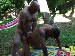 Papá al aire libre mierda