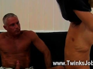 Gay porno este hermoso y musculoso trozo tiene el estelar chico masón amor