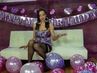 Nina leigh se burlan con sus globos