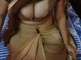 Desi aunty clips para más visita aquí www.indiansex69.com