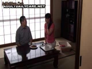 Milf anal japonés y un tipo con un profesor privado