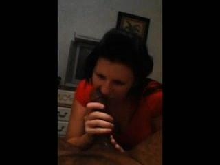 Morena chupar polla negro mientras que en el teléfono a la mamá