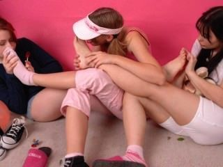 Chicas calientes pies sniff
